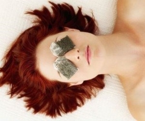 tea and puffy eyes remedy image