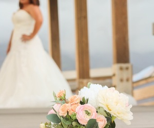 hawaii, bouquet, and bride image