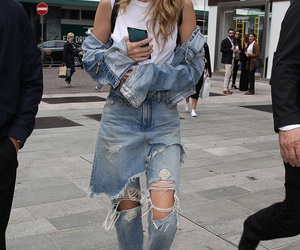 fashion, gigi hadid, and jeans image