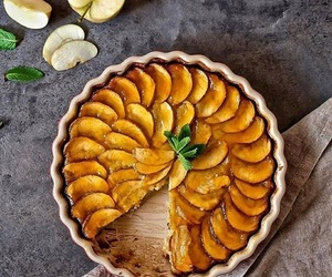 apple, delicious, and dessert image