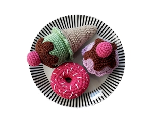 amigurumi, crochet, and cupcake image