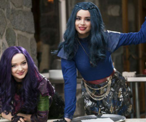 evie and dove cameron image