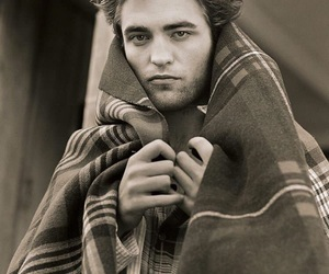 autumn, blanket, and robert pattinson image
