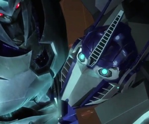 bee, tfp, and megatron image