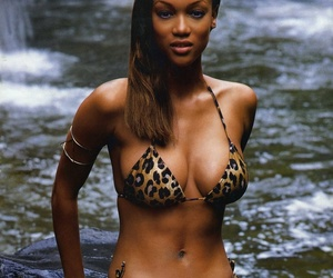 tyra banks, victoria's secret angel, and very sexy belly button image