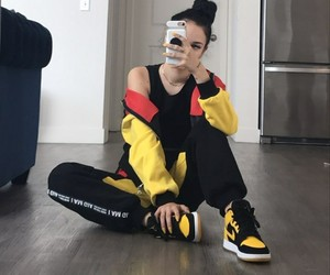 maggie lindemann and gorgeous image