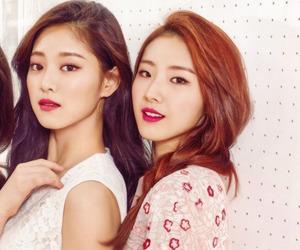 magazine, kim hyunjin, and haseul image