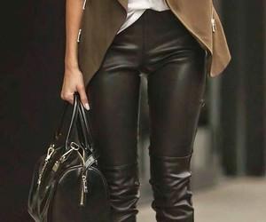 belt, chapeu, and handbag image