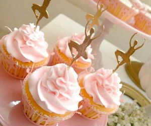 cupcakes and party image
