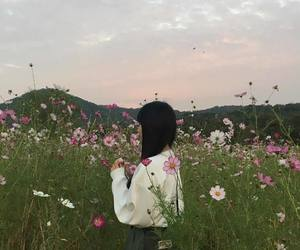 ulzzang, girl, and flowers image