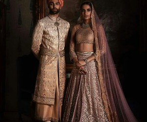 couple and india image
