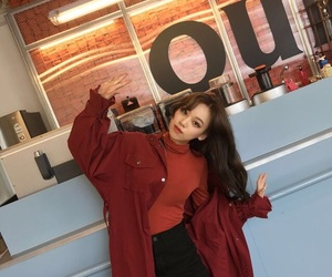 red and ulzzang image