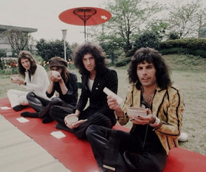 1975, japan, and Queen image