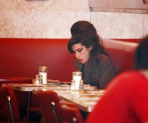 Amy Winehouse image