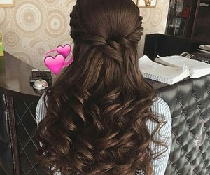 curly hairs and hair style image