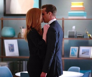 suits and darvey image