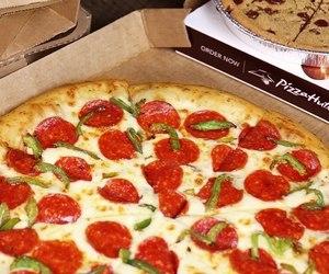 fast food, pizzahut, and بيتزا image