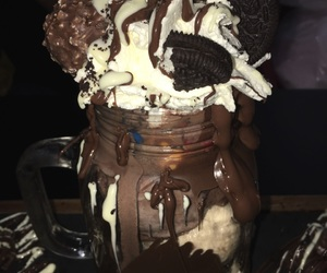 chocolate, dessert, and ferrero image