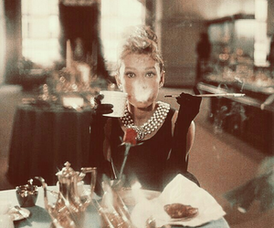 audry hepburn, hollywood, and Colazione da Tiffany image