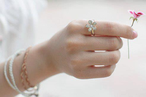 flower, ring, and simple image
