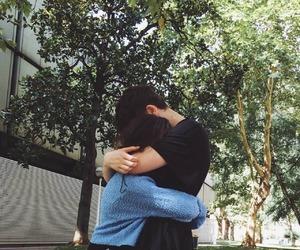 hug, couple, and grunge image