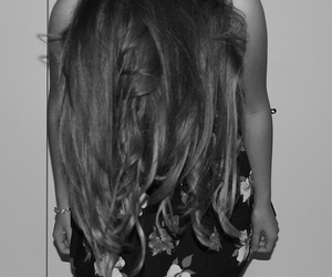 hair and hollister dress image