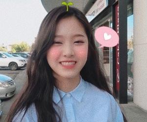 loona, hyunjin, and kpop image