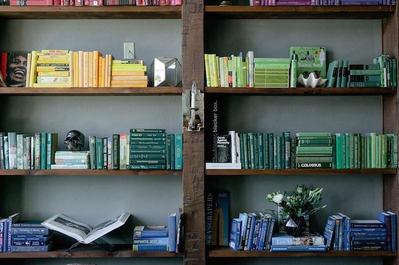 расстановка книг по цветам