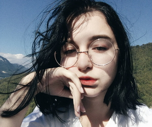 hair black white, pale pastel art, and artsy tumblr feed image