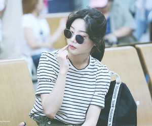 clothes, sojin, and glasses image