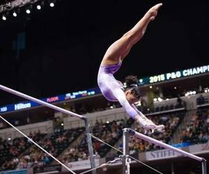 laurie hernandez and bars image