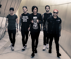 emo, pop rock, and sleeping with sirens image