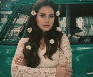 lana del rey and Queen image