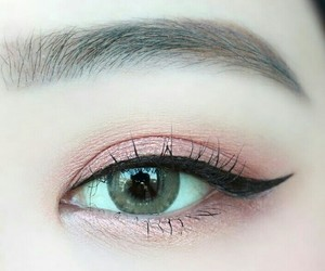 beauty, contact lense, and eyebrows image