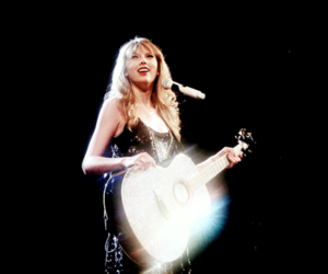 Taylor Swift and speak now tour image