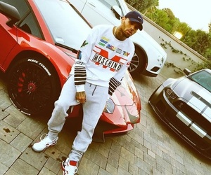 chris brown and car image