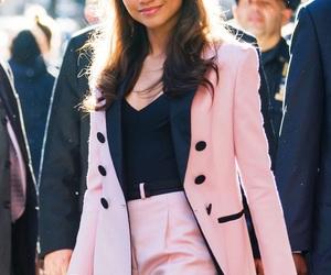 zendaya, fashion, and pink image