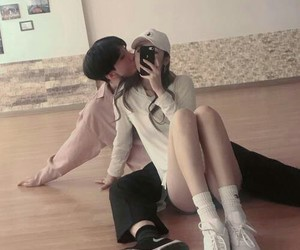 korean, love, and couple image