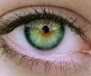 green and eyes image