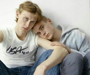 skam, evak, and isak image