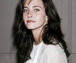 friends, courtney cox, and 90s image