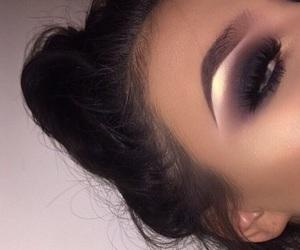 eye and eyeshadow image