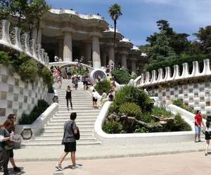 barcelone and parc guell image