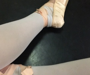balett, dance, and pointe shoes image
