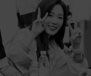 beauty, black and white, and taeyeon image