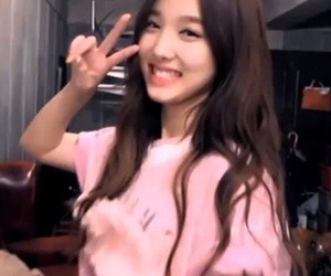 icon, pink, and twice lq image