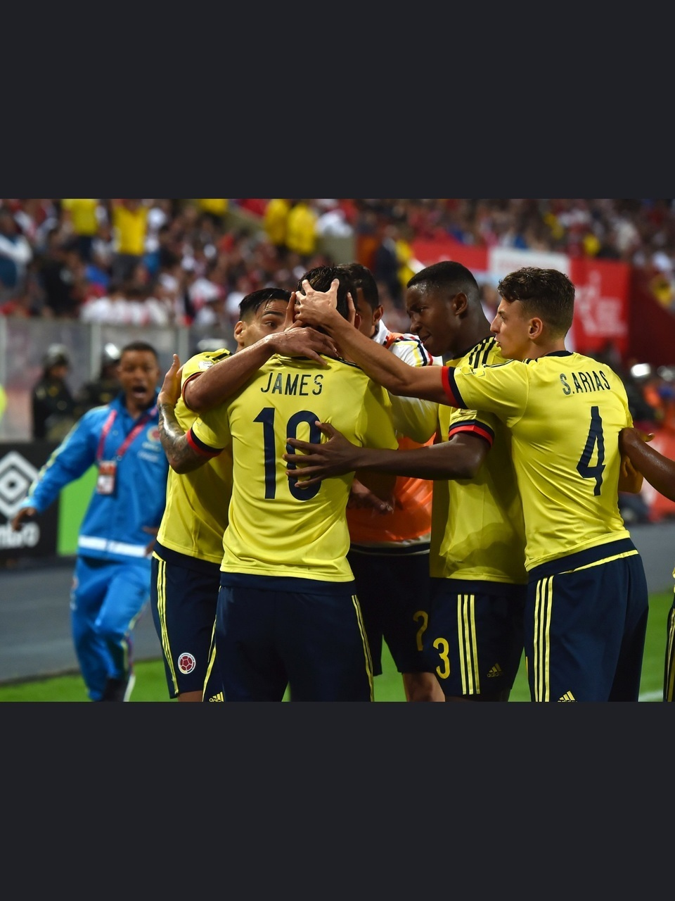 article, colombia, and futbol image