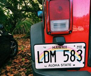 car and hawaii image