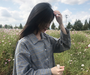 girl, korean, and kfashion image