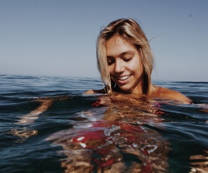 summer, beach, and alexis ren image